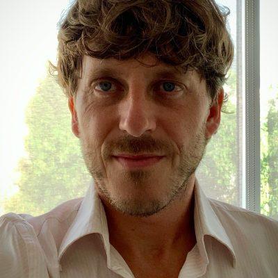 https://www.fitforprofit.ch/wp-content/uploads/2021/06/Samuel-Suter-400x400-1.jpg